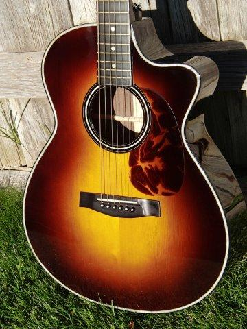 sunburst-with-Tortoloid-pick-guard
